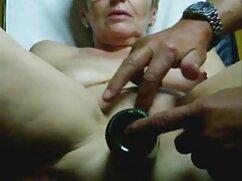 Una mujer madura engendra un madres culonas cojiendo chico para tener sexo.