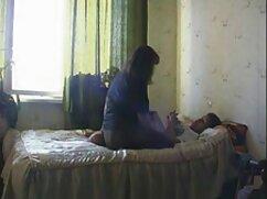 La masajista mamas bien culonas se fríe con el cliente.