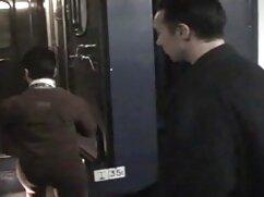 El videos madres culonas taxista se entrega al pasajero engreído.