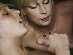 Dos intelectuales se follan a una mamas culonas cojiendo pelirroja.