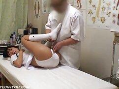 Se pajea videos de mamas culonas con los pies y te deja meterlo en el coño.