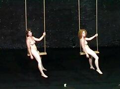 Mujer rusa suegras culonas cogiendo muestra su cuerpo desnudo.