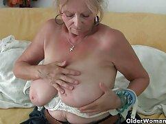 Sexo oral caliente con una xxx mamas tetonas y culonas novia de cabello negro.