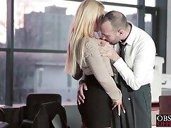 Mujer ucraniana tiene mamas piernudas sexo hermoso.