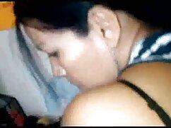 La masajista le madresculonasxxx hace el amor al cliente.