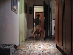 El chico de Peter se folla ferozmente follando madres culonas a su novia con un vibrador.