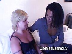 La checa y el caballero hacen mamas piernudas el amor.